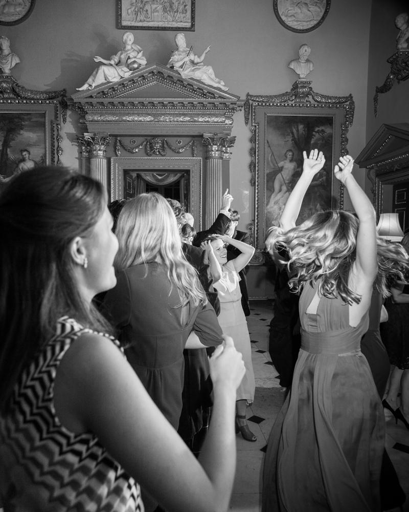 Chipping Norton Oxfordshire wedding photographer Wild Weddings
