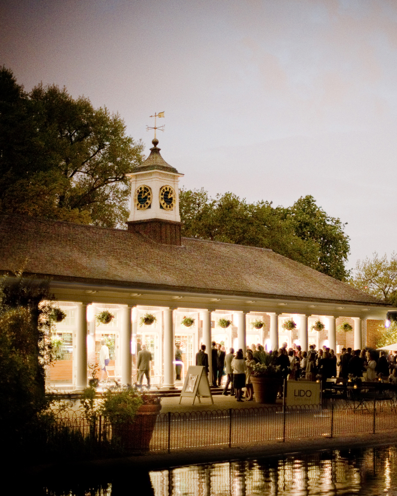 Lido Cafe & bar, Hyde Park. Knightsbridge wedding photographer Wild Weddings
