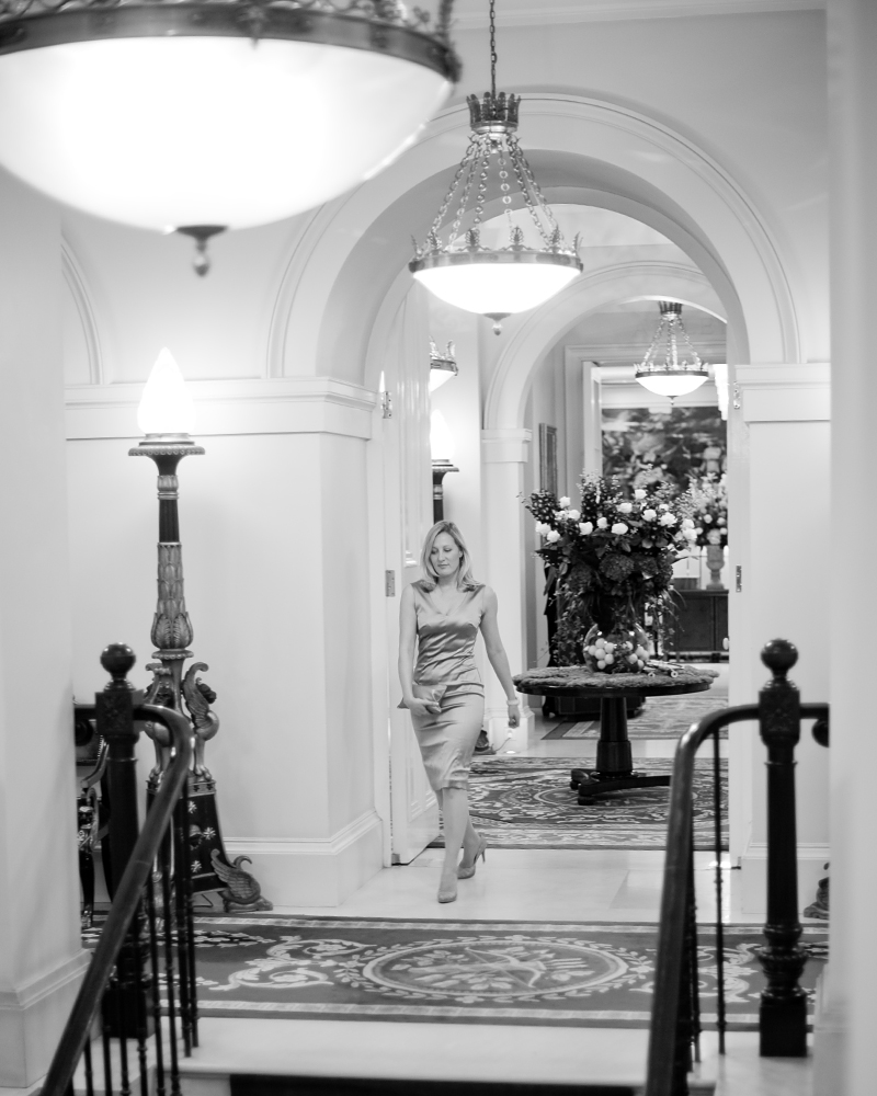 Interior with guset. The Lanesborough wedding photographer - Wild Weddings