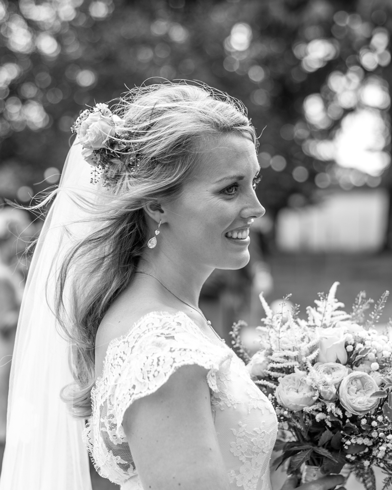 Andover, Hampshire wedding photographer wild weddiings