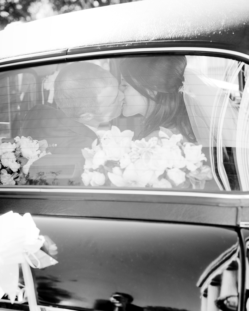 Taxi, St Peter's Church Eaton Square, London W1 Wedding photographer Wild Weddings