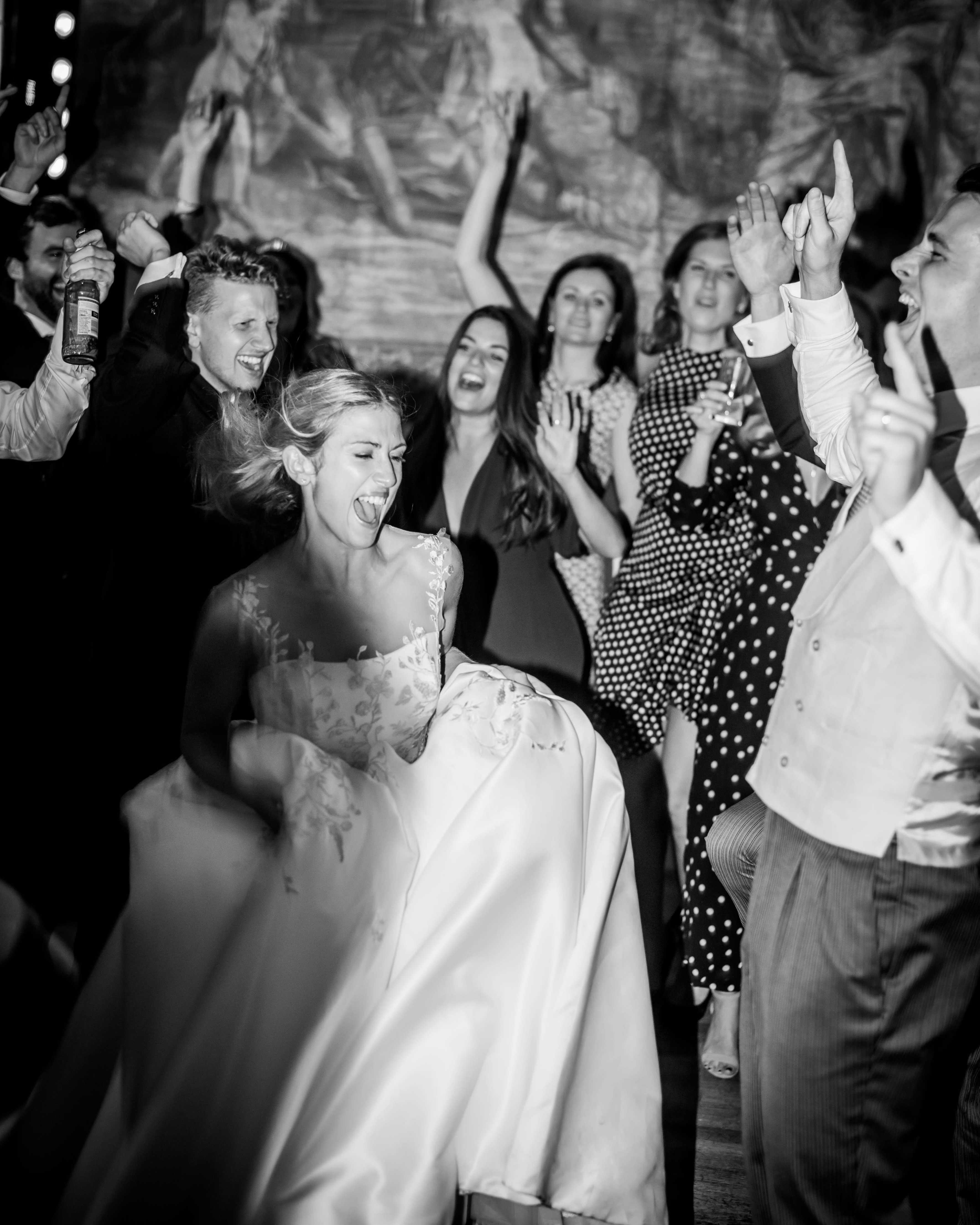 Cornwell Manor Oxfordshire wedding photographer, oxfordshire wedding photographer, Bride, dance, wedding reception, Cornwell Manor, Chipping Norton, Oxfordshire, wild weddings photography, wedding photography, wedding photographer